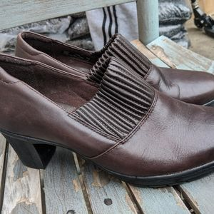Women's Clarks Brown Leather Heeled Shoes 8.5W